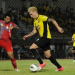 "Match Review : ยามาฮ่า ลีก วัน 2012 นัดที่ 23  ขอนแก่น เอฟซี 2-0 ราชประชา เอฟซี  ""ปลดล็อก ชัยชนะนัดแรกในเลค 2 และสองประตูทองของ เทพเจ้าคนใหม่ มัทธีอัส เรซิโอ้"""