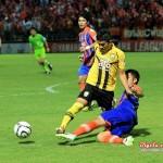 "Match Reviews : ยามาฮ่า ลีก วัน 2013 นัดที่ 24 สิงห์ ท่าเรือ 2-0 ขอนแก่น เอฟซี ""สวัสดีโซน Red Zone"""