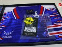 """Review เล็กๆ น้อยๆ สำหรับเสื้อ """"ศักดิ์ศรีปฐพีไทย"""" ตำนานแห่งศักดิ์ศรีฟุตบอลทีมชาติไทย"""